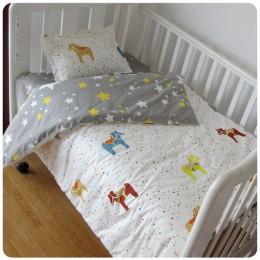 3 szt. Bawełniane dziecięce łóżko pościel zestaw dla chłopca dziewczyna kreskówka komplet pościeli dziecięcej obejmuje poszewki