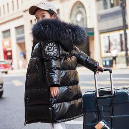 Długa puchowa kurtka młodzieżowa dziewczęca zimowa jesienna obszerna oversize na zamek z dużym kapturem metaliczna połyskująca
